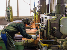職人の経験と技を生かせる機械での施工